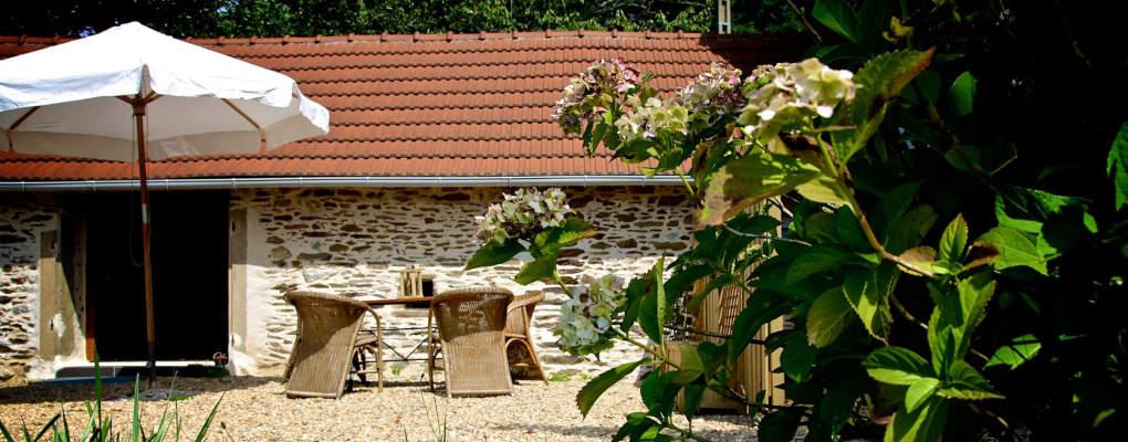 Availability and tariffs Le Petit Paradis, Arc en France, gîtes in the Limousin